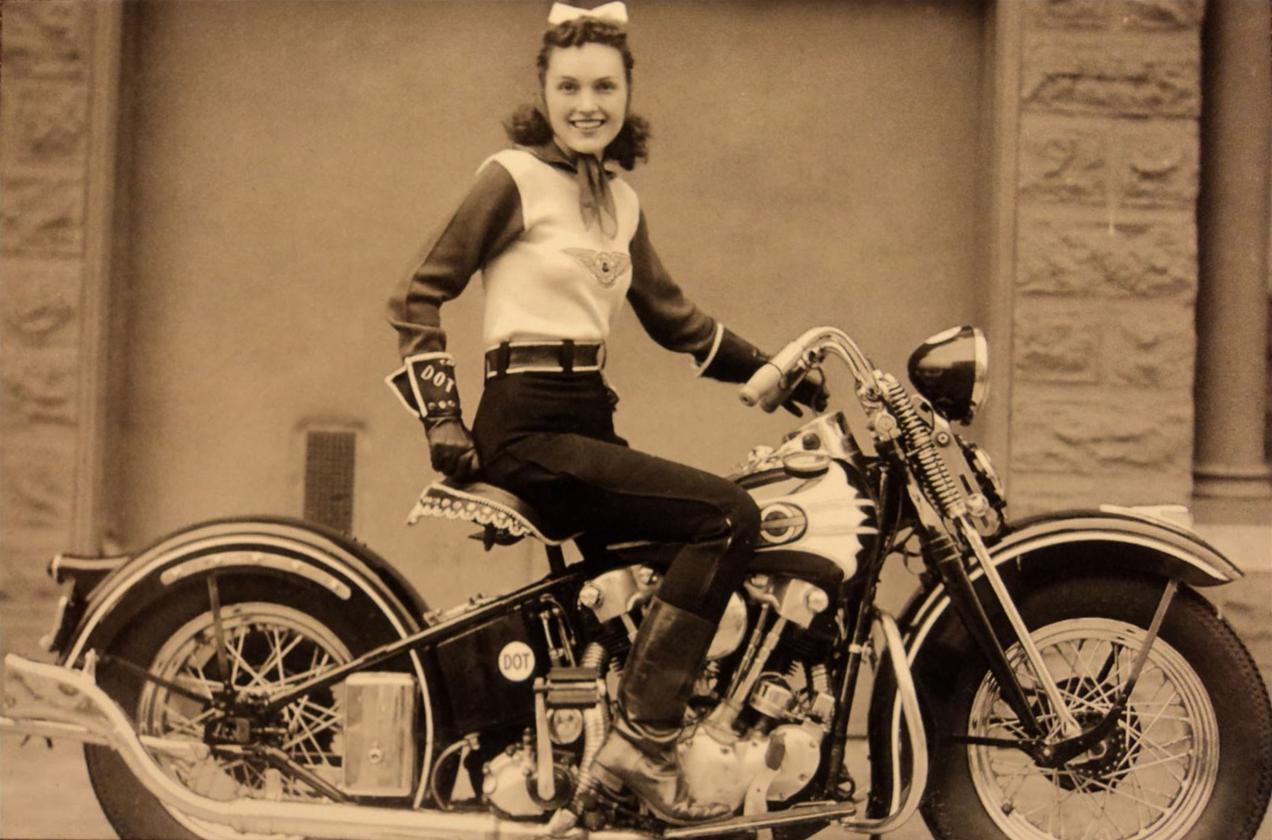 Vintage-motorcycle-girl-03